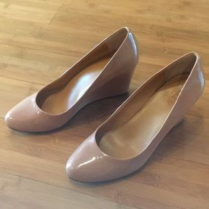 JCrew patent neutral wedges